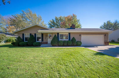 Waukesha County Single Family Home For Sale: 4500 S Regal Dr