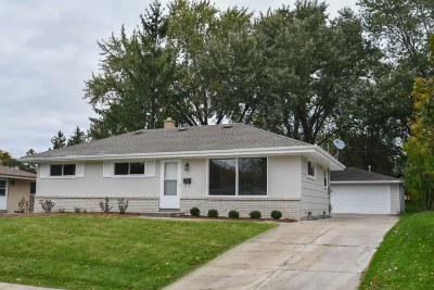 Waukesha County Single Family Home For Sale: W149n8452 Norman Dr