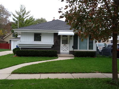 Milwaukee County Single Family Home For Sale: 4849 N 86th St