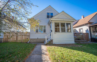 Milwaukee County Single Family Home For Sale: 2039 S 75th St