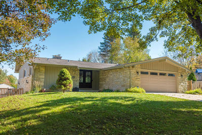 Wauwatosa Single Family Home For Sale: 3322 N 105th St