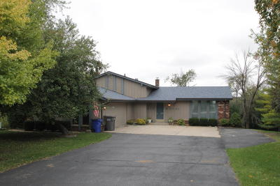Muskego Single Family Home For Sale: S75w20136 Ridge Rd