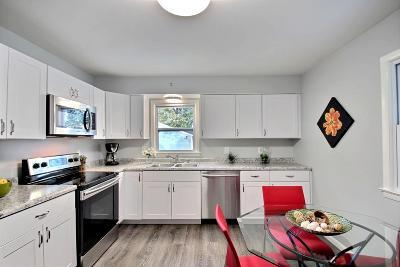 Milwaukee WI Single Family Home For Sale: $169,900