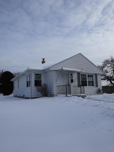 Milwaukee WI Single Family Home For Sale: $167,900