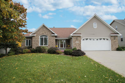 West Bend Single Family Home Active Contingent With Offer: 327 Gorman Way