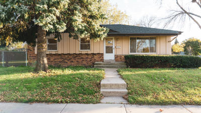 Milwaukee County Single Family Home Active Contingent With Offer: 6522 N 70th St