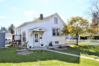 South Milwaukee Single Family Home For Sale: 517 Marshall Ave