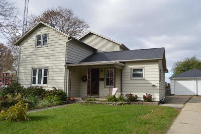 Watertown Single Family Home For Sale: 106 Fremont St
