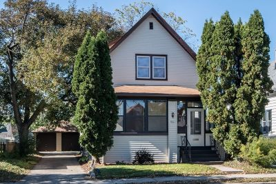 West Allis Single Family Home For Sale: 1921 S 92nd St