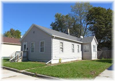 Racine County Single Family Home For Sale: 1629 St Clair St
