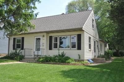 West Allis Single Family Home For Sale: 1352 S 101st St
