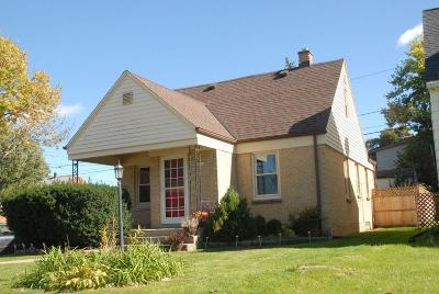 West Allis Single Family Home For Sale: 2500 S 77th St