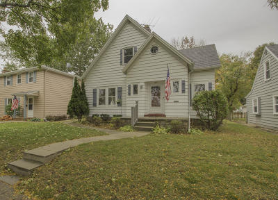 Waukesha WI Single Family Home For Sale: $205,000