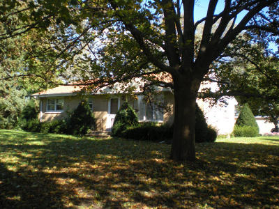 Kenosha Single Family Home Active Contingent With Offer: 1541 100th Ave