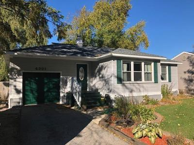 Menominee Single Family Home For Sale: 4301 7th St