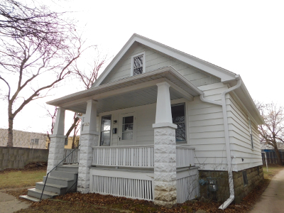 West Allis Single Family Home For Sale: 1567 S 83rd St