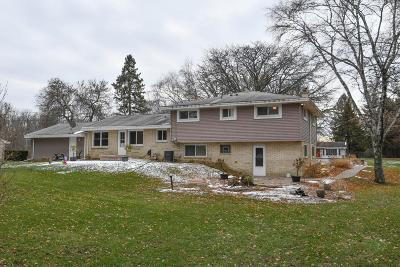Brookfield Single Family Home For Sale: 16050 Tomahawk Trl