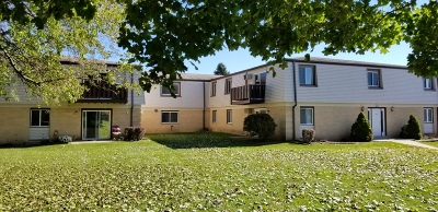 Jackson Condo/Townhouse Active Contingent With Offer: N169w19872 Georgetown Dr #103