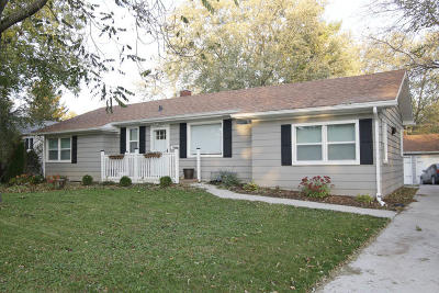 New Berlin Single Family Home For Sale: 1514 S 165th St