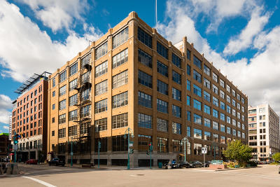 Milwaukee County Condo/Townhouse For Sale: 318 E Chicago St #3