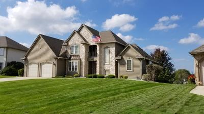 Muskego Single Family Home For Sale: S96w12881 Walter Hagen Dr