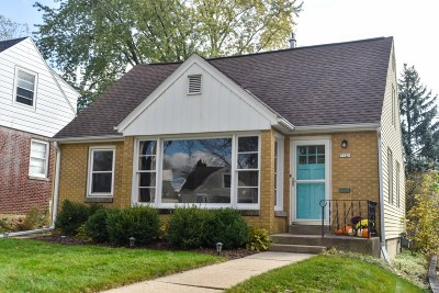 Wauwatosa Single Family Home Active Contingent With Offer: 7921 Livingston Ave
