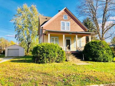 Watertown Single Family Home Active Contingent With Offer: 1003 N Water St
