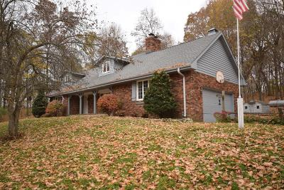 Hartford Single Family Home Active Contingent With Offer: 1529 Terry Rd