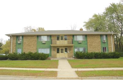 Kenosha Multi Family Home Active Contingent With Offer: 1765 15th Ave