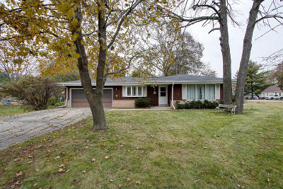 Muskego Single Family Home Active Contingent With Offer: W173s7109 Grove St