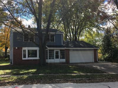 Grafton Single Family Home For Sale: 1615 Willow Ct