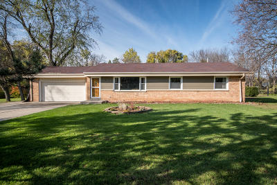 Brookfield Single Family Home For Sale: 3935 Brook Ln