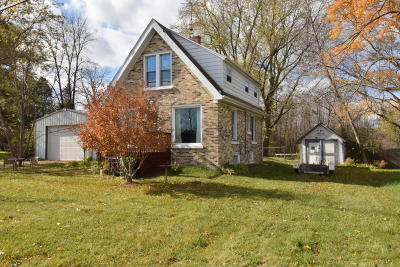 Ozaukee County Single Family Home Active Contingent With Offer: 13953 N Port Washington Rd