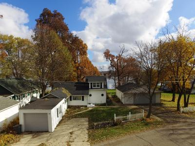 Delavan Single Family Home Active Contingent With Offer: 700 Inlet Shore Dr