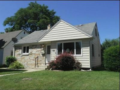 West Allis Single Family Home Active Contingent With Offer: 2907 S 94th St