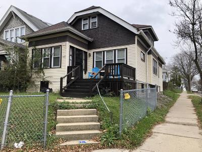 Milwaukee Single Family Home Active Contingent With Offer: 3295 N 28th St