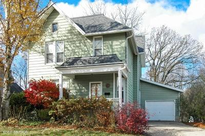Juneau WI Single Family Home Active Contingent With Offer: $127,900