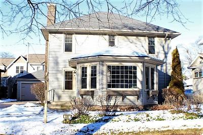 Sheboygan Single Family Home For Sale: 130 Long Ct