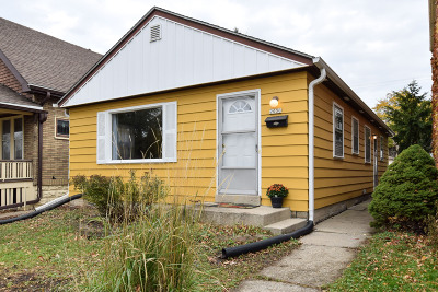 West Allis Single Family Home For Sale: 2030 S 77th St