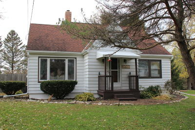 Pewaukee Single Family Home Active Contingent With Offer: N25w25135 Bluemound Rd