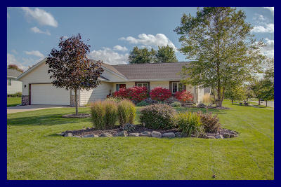 Slinger Single Family Home Active Contingent With Offer: 1133 Nordic Ln