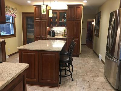 West Bend Single Family Home For Sale: 5639 Maple Rd