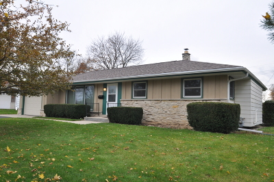Greendale Single Family Home Active Contingent With Offer: 5397 Meadow Dr