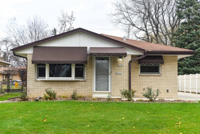 West Allis Single Family Home Active Contingent With Offer: 1000 S 120th St