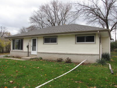 Menomonee Falls Single Family Home For Sale: N89w15017 Jefferson Ave