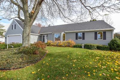 Ozaukee County Single Family Home Active Contingent With Offer: 1970 Bobolink Ave