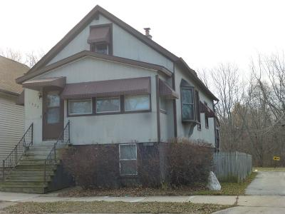 South Milwaukee Single Family Home For Sale: 1425 Missouri Ave