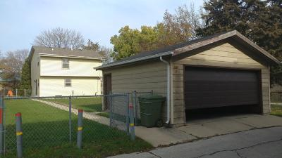 Milwaukee Single Family Home Active Contingent With Offer: 1803 W Highland Ave