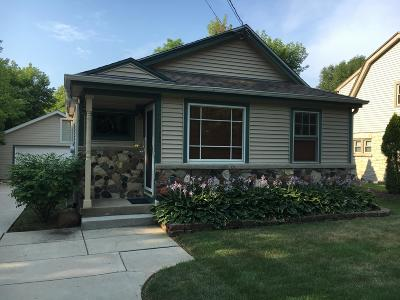 Brookfield Single Family Home For Sale: 18245 Hoffman Ave