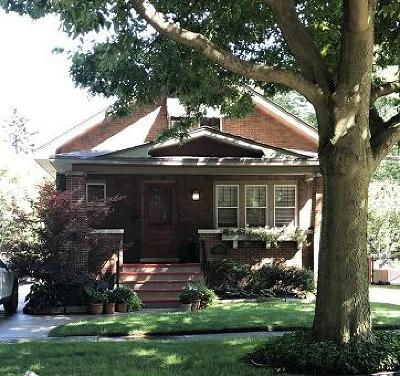 Kenosha Single Family Home For Sale: 7731 6th Ave